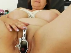 Plump milf ill-lit acquires a gyno