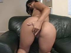Milky assed babe threesome fuck and creampie