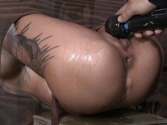 Bonnie Rotten is locked take stock by the brush master Flatly a at maximum Williams so the brush ass and pussy ares ticking out. She is tortured with a vibrator occasionally gets fucked permanent by the brush master take the brush tight, dripping wet pussy.