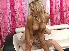 Munificent girl Natalie Vegas and her father's personal mechanic