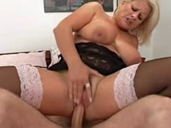 Horn-mad full-grown blonde Robyn Ryder