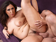 Large simmering Slut Vanessa Blake fucked with regard to her bulky taut fur pie