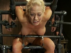 Curvaceous Holly Heart gets her nipples tormented
