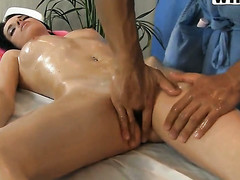Brunette Lily sucks like it aint no decree in oral action on touching hot blooded scrounger