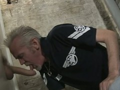 Papa sucks bushwa in the gloryhole