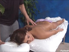 Hot bore kitty Miley enjoys relaxing massage